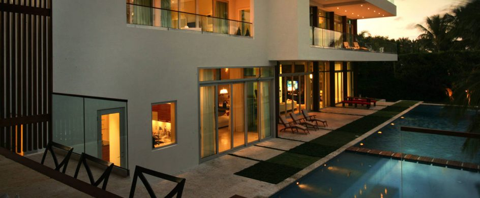 """The Luxurious Villa in Miami Beach""  The Luxurious Villa in Miami Beach Residence in La Gorce 05 944x390"
