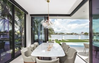 modern coastal style home in Miami Modern Coastal style home in Miami afffba22ed0d8fa87bdf9612c5679aae 324x208