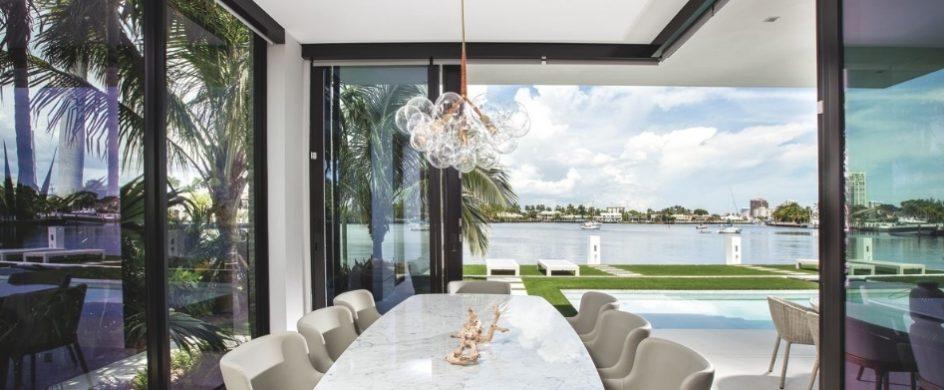 modern coastal style home in Miami Modern Coastal style home in Miami afffba22ed0d8fa87bdf9612c5679aae 944x390
